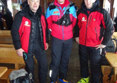 Der tschechische Bergrettungschef Jiří Broček (Bildmitte) mit Ernst Kölch (li.) und Michael Prattes.
