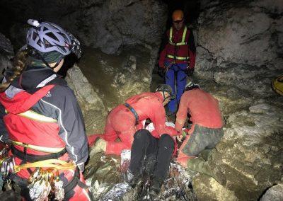 Gemeinsame Übung der Bergrettung Lackenhof und der Höhlenrettung NÖ 64